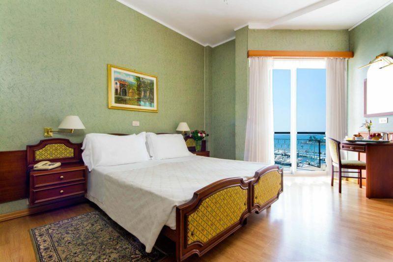camere hotel diano marina - doppia vista mare laterale