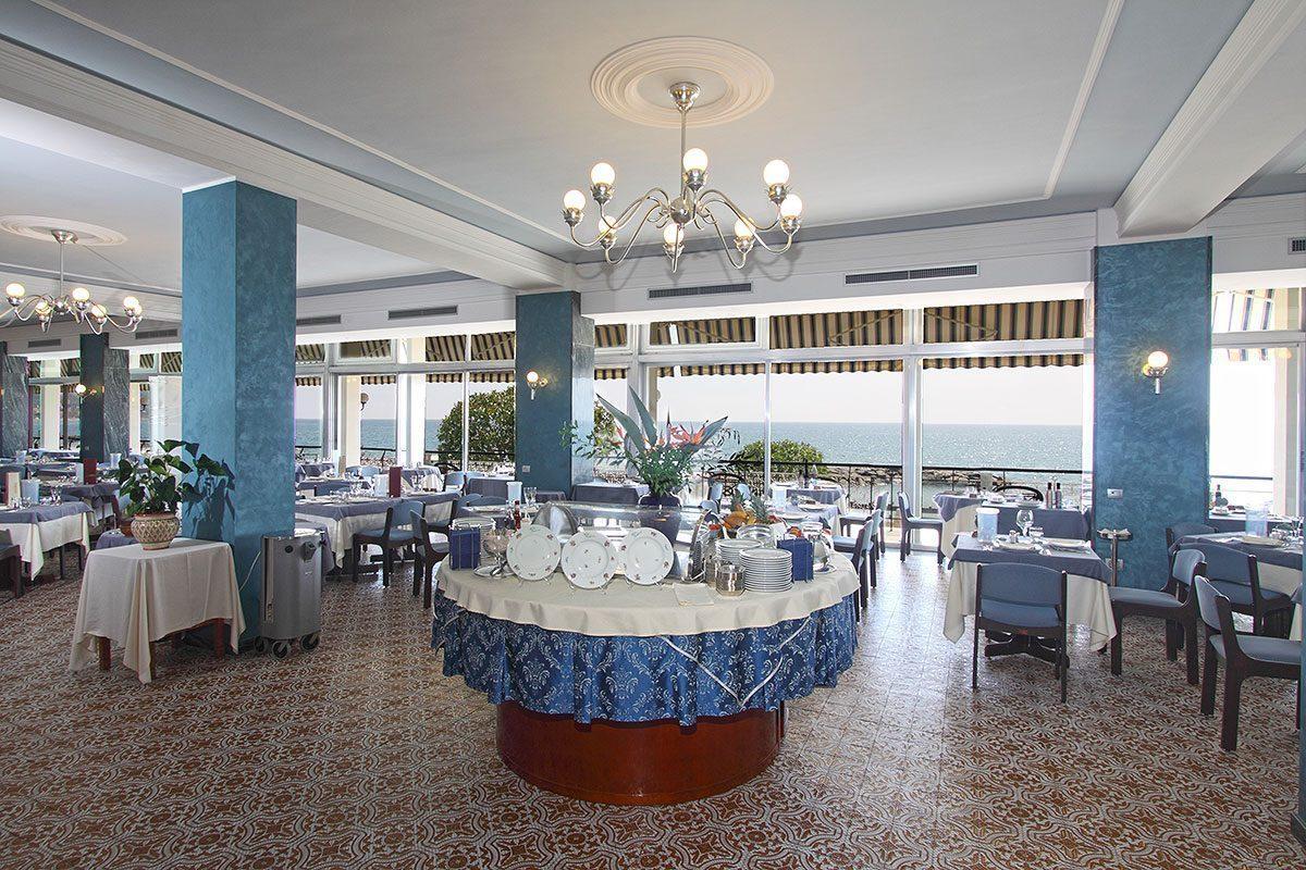 ristorante a diano marina - sala ristorante