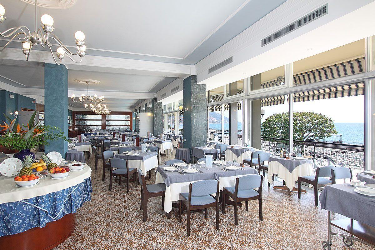 ristorante a diano marina - sala ristorante fronte mare