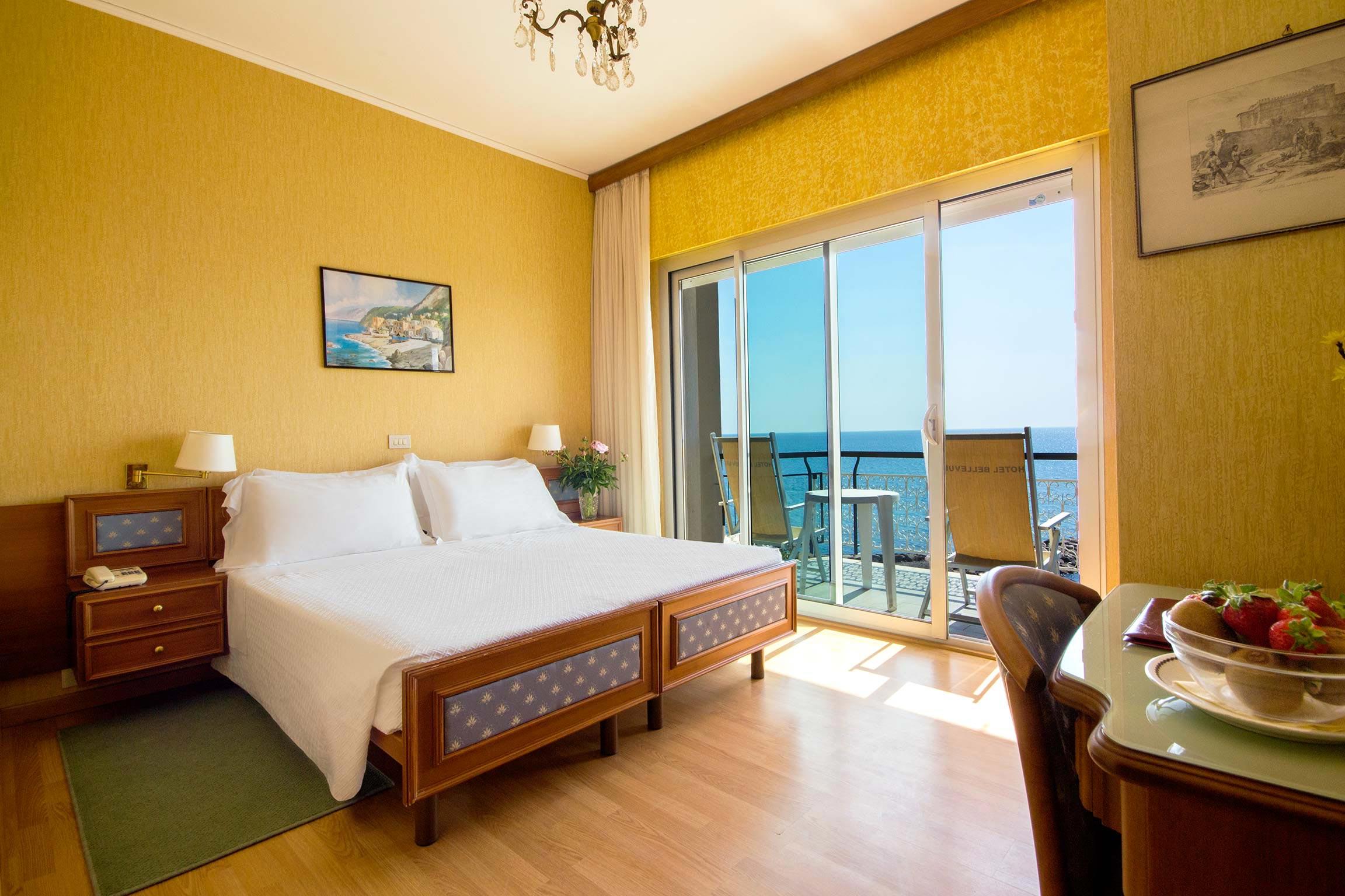 camere hotel diano marina - tripla vista mare