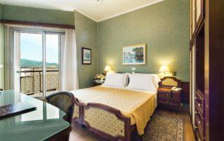 hotel a diano marina - tripla vista mare laterale